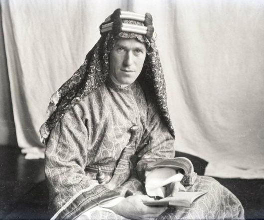 720px-T.E._Lawrence_With_Lawrence_in_Arabia